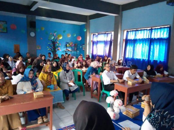Rapat Ortu Siswa Sosialisasi TMBB